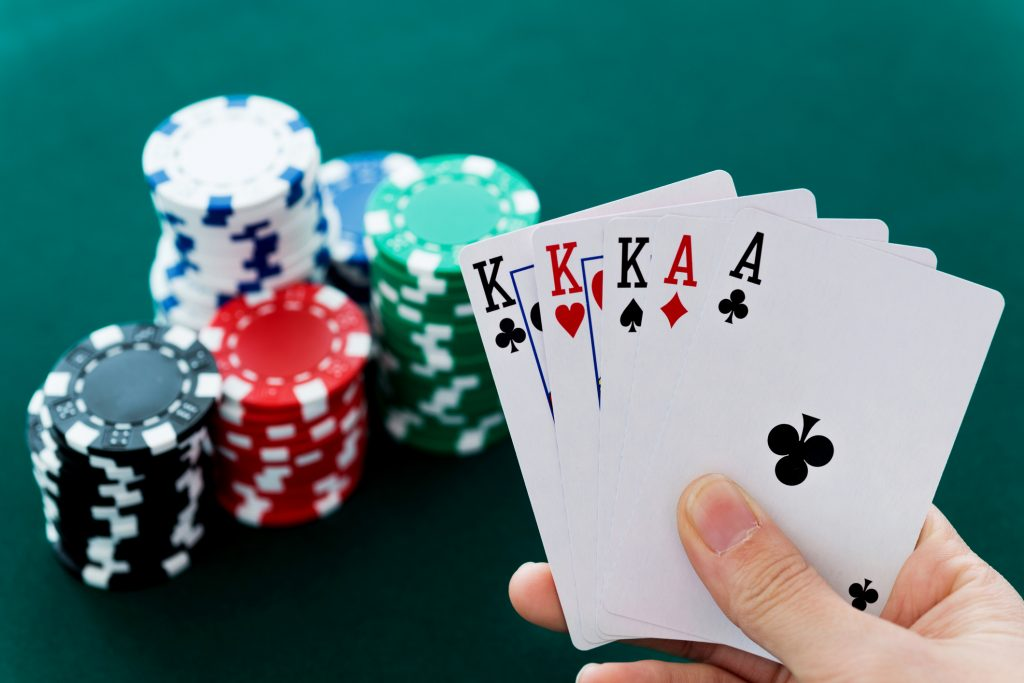 online poker betting agent